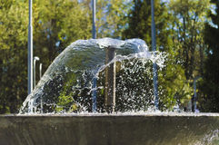 Noch von einem Wasserbrunnensprühwasser Stockbild