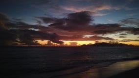 Noche Argent de la fuente d 'Seychelles de Anse almacen de metraje de vídeo