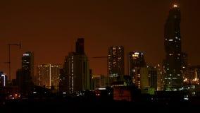 Noche 2016 Bangkok - luces que cambian por intervalos - lapso de tiempo metrajes