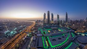 Noche céntrica de Dubai al timelapse del día Visión superior desde arriba almacen de video
