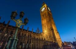 Noche clara en Big Ben Imágenes de archivo libres de regalías