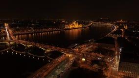 Noche de Budapest de la visión aérea almacen de metraje de vídeo