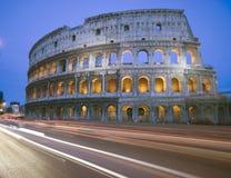 Noche de Collosseum Roma Italia Imagenes de archivo