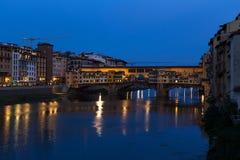Noche de Florence Ponte Vecchio fotos de archivo
