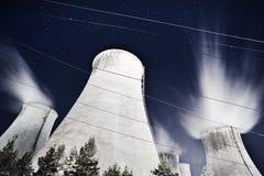 Noche de la central eléctrica Foto de archivo libre de regalías