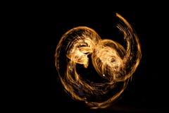 Noche de la demostración del fuego, curvas abstractas imagen de archivo