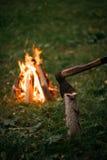 Noche de la hoguera al aire libre Fotografía de archivo