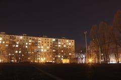 Noche de la primavera en Togliatti fotografía de archivo