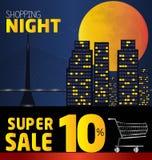Noche de las compras, descuento del 10 por ciento Ciudad del vector en la noche V Fotos de archivo libres de regalías