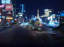 Noche de Las Vegas Blvd imagenes de archivo