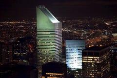 Noche de New York City del rascacielos del edificio de Citicorp Imagen de archivo