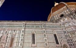 Noche de Santa Maria del Fiore Florence Firenze Tuscany Italia de los di de la basílica del Duomo imagenes de archivo