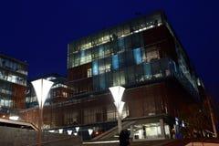Noche del centro de negocio de la ciudad de Timisoara Imagenes de archivo