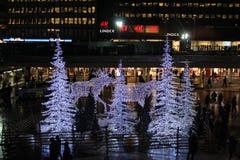 Noche del invierno en el cuadrado de Sergels Imagen de archivo
