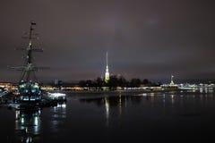 Noche del invierno en la ciudad Fotos de archivo libres de regalías