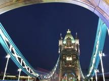 Noche del puente de la torre Imagen de archivo
