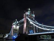 Noche 2 del puente de la torre fotos de archivo libres de regalías