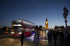 Noche del puente de Westminster con Big Ben Foto de archivo