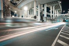 Noche del viaducto del camino de ciudad de la escena de la noche Foto de archivo libre de regalías