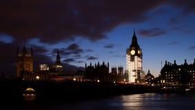 Noche en el Londres Foto de archivo libre de regalías