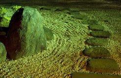 Noche en jardín del zen Fotografía de archivo libre de regalías
