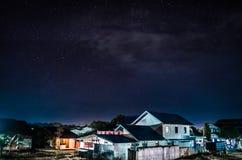 Noche en la Indonesia fotos de archivo