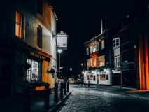 Noche en Portsmouth vieja fotografía de archivo