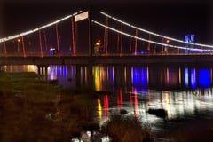 Noche Fushun China del puente de Jiangqun imagen de archivo libre de regalías