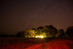 Noche hermosa de la estrella en el campo de la Argentina. Foto de archivo