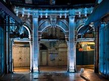 Noche, incorporar el mercado Muristan. Foto de archivo libre de regalías