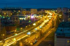 Noche Izhevsk, terraplén Fotos de archivo libres de regalías