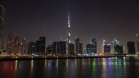 Noche-lapso céntrico de Dubai de la bahía del negocio almacen de video