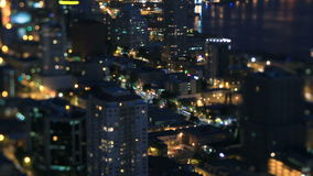 Noche Pan Tilt Shift del lapso de tiempo del paisaje urbano de Seattle metrajes