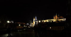 Noche Prag - nocni Praga de Hradcana Imagen de archivo libre de regalías