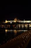 Noche Prag - nocni Praga de Hradcana Imagenes de archivo