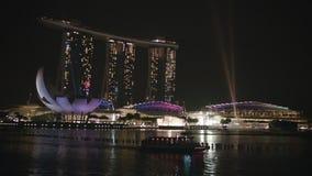 Noche Singapur Opinión Marina Bay almacen de video