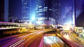 Noche Timelapse de la ciudad. Enfoque adentro tiró. almacen de metraje de vídeo