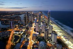 Noche tirada del paraíso Gold Coast Australia de las personas que practica surf Imagen de archivo