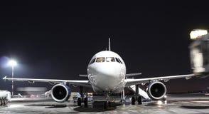 Noches en aeropuerto Fotos de archivo libres de regalías