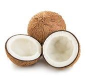 Noci di cocco isolate su bianco Immagini Stock Libere da Diritti