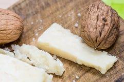 Noci e formaggio Immagine Stock Libera da Diritti