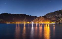 Nocne niebo pod Adrasan zatoką Adrasan wioski lokacja, okręg Kemer, Antalya prowincja, Turcja Zdjęcie Stock