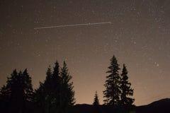 Nocne niebo z udziałem błyszczące gwiazdy Obrazy Stock