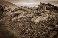 Nocriadorp in het gebied van Marche Schade door de aardbeving wordt veroorzaakt die stock fotografie