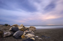 Nocturna De Los angeles Playa De Cabopino en Marbella Zdjęcia Royalty Free