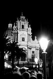 Nocturne di Ragusa Ibla della cattedrale di George santo Fotografia Stock
