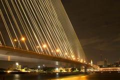 Nocy światło przy Ramy 8 mostem Fotografia Stock
