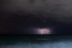 Nocy burzy morze Obraz Royalty Free