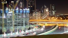 Nocy Dubai budowy 4k czasu upływ blisko Dubai centrum handlowego zdjęcie wideo