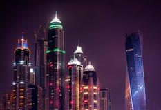 Nocy Dubai marina linia horyzontu Dubaj, Zjednoczone Emiraty Arabskie zdjęcie royalty free